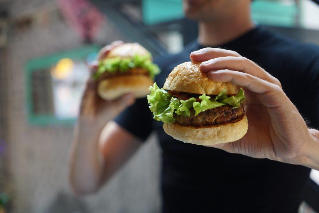 肉食愛好者可以在餐後攝取奇異果幫助消化